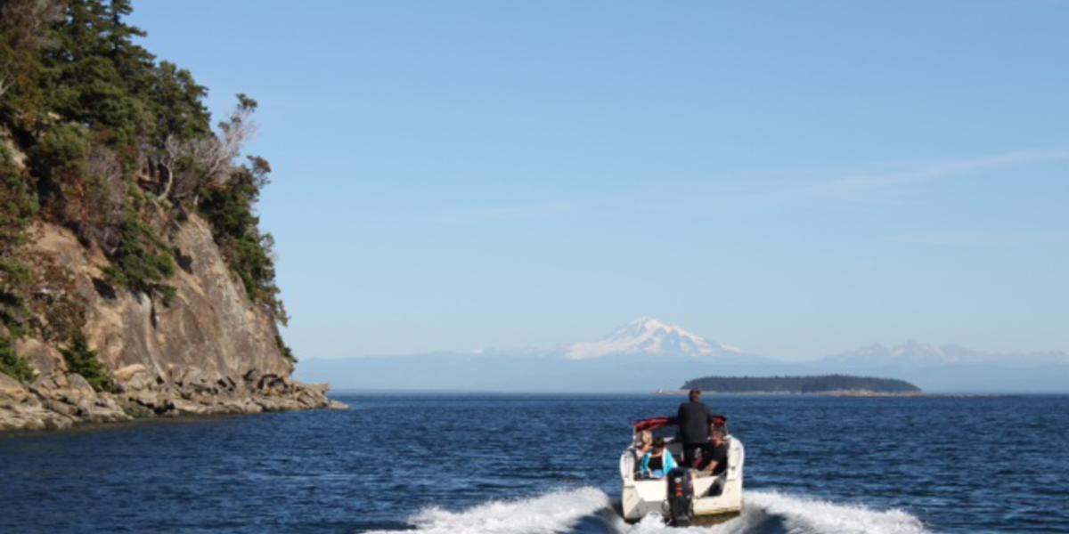 Explore the southern Gulf Islands via boat with friends and family